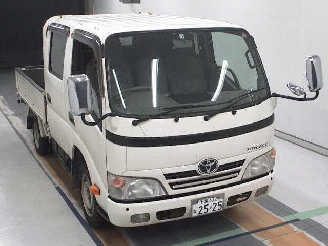 Toyota TOYOACE 2012